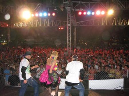 Ivy Queen Performs on stage