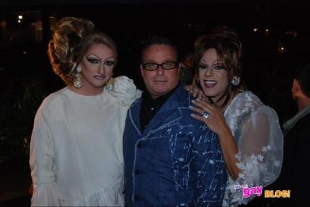 """Joe Granda with Teresita & Sofia """"Las Divas del Jacuzzi"""""""